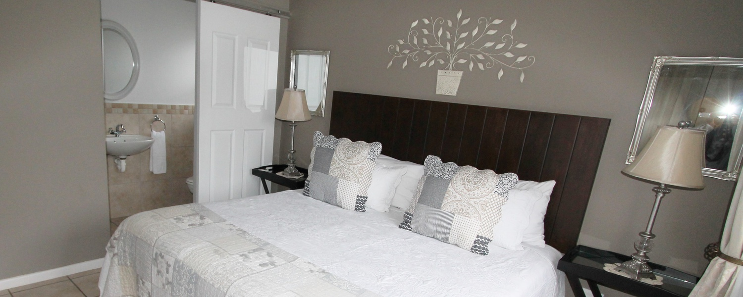 Make yourself at home in Oudtshoorn